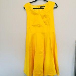Dresses & Skirts - 50s golden swing style dress